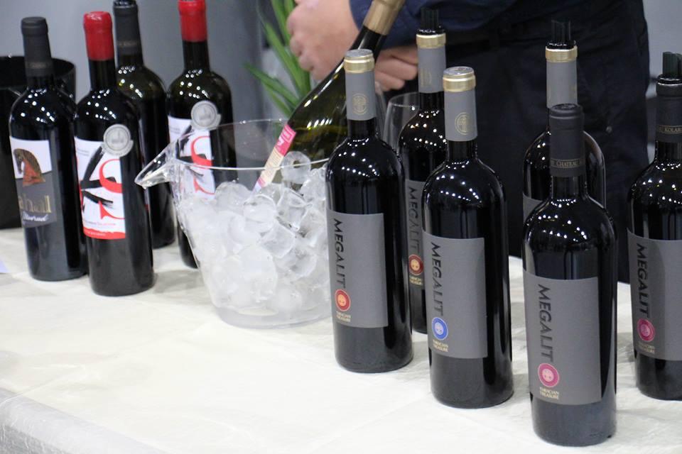 Бутикова изба Шато Коларово представи своите вина на празника на виното в Казанлък - Виното на траките